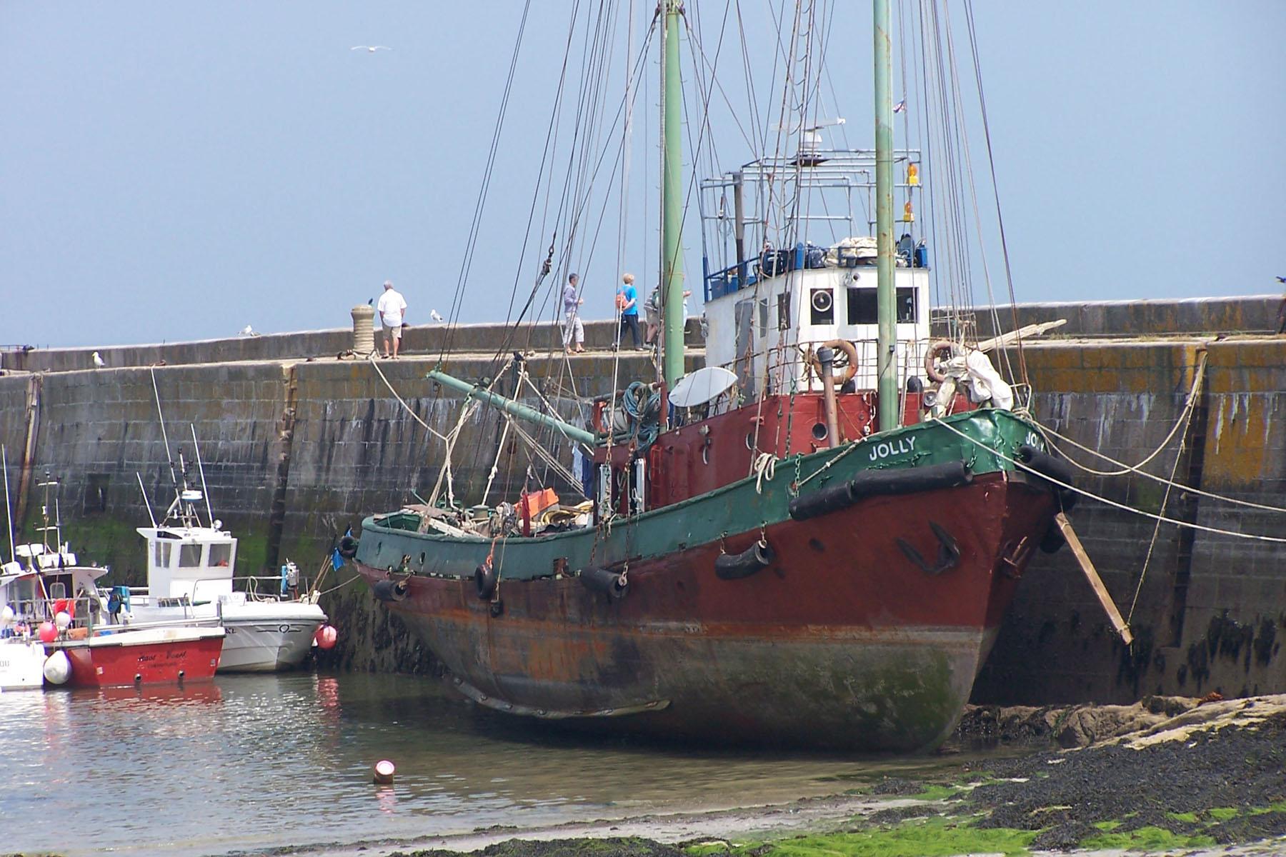 Calvados Et Manche Vieilles Coques Vieux Navires Et 233 Paves Reconstruction 224 L Ancienne
